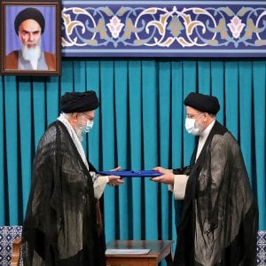 """114740805 0075e4df b2bf 4b99 8398 038536adc168 - Golfo, 6 petroliere fuori controllo. """"Dirottamento firmato Teheran"""""""