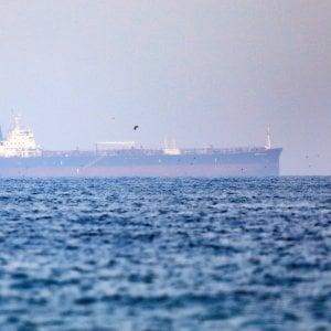 """200345168 2fc847e4 fa44 40f6 84ca 835d76c3372c - Golfo, 6 petroliere fuori controllo. """"Dirottamento firmato Teheran"""""""