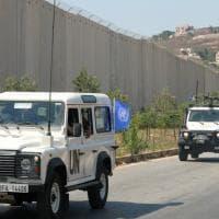 """Attacco aereo di Israele nel sud del Libano per rispondere ai razzi. Gantz: """"Un ..."""