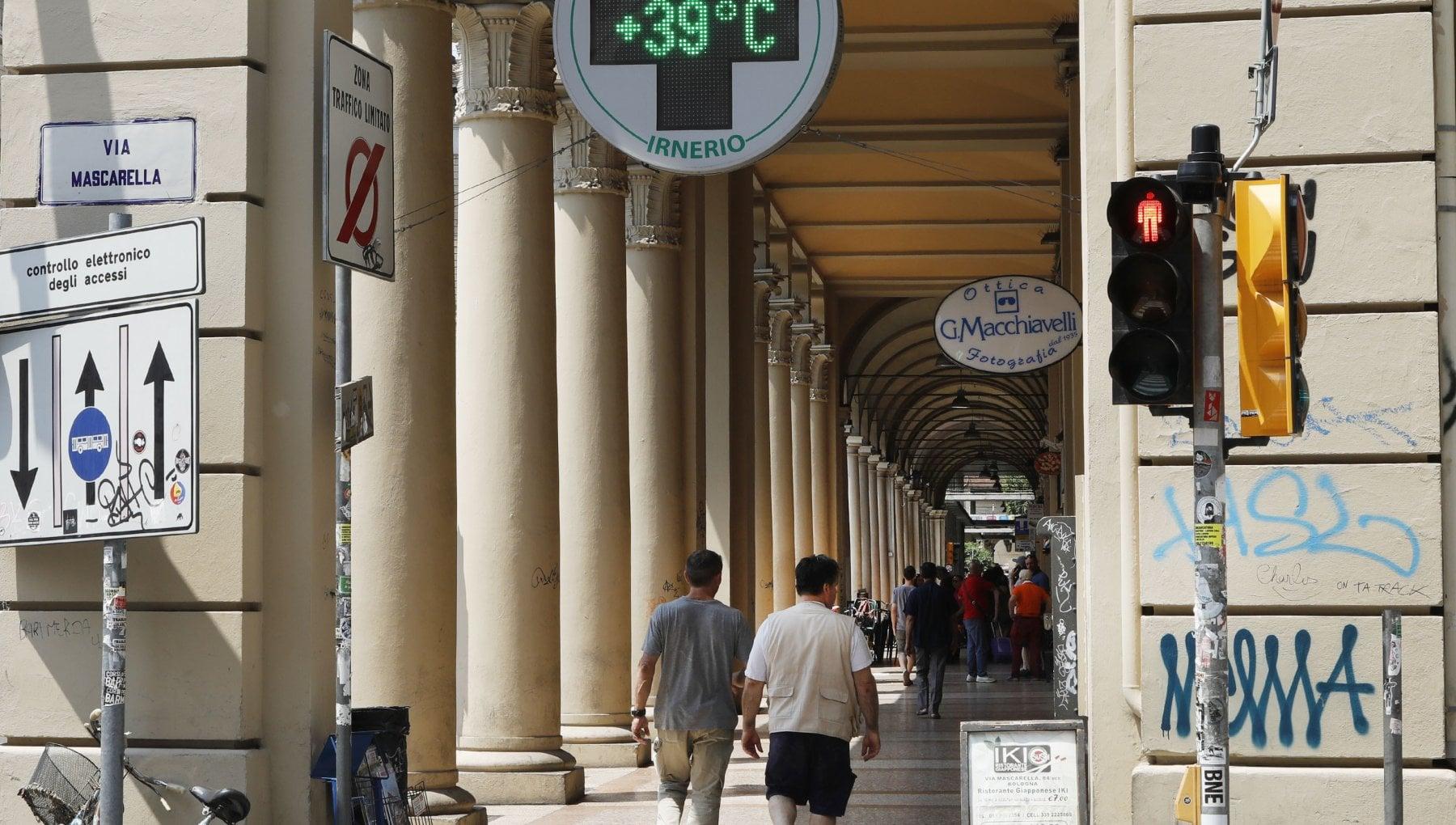 122139635 cc36ecb9 5b00 42af aaf2 2d893a890a6d - Arriva Lucifero e sarà la settimana più calda dell'estate. Bollino rosso per 8 città