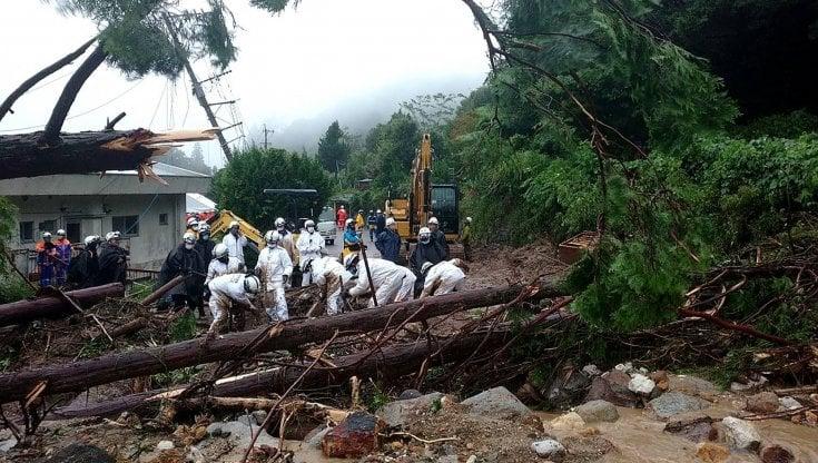 071308312 3b6b2118 904b 44ac 9626 212f934a06db - Clima, in Giappone piogge torrenziali, 5 milioni di persone evacuate
