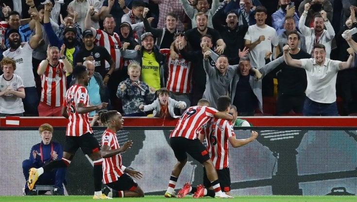 Continua la favola della matricola Brentford: 2-0 all'Arsenal all'esordio  in Premier League - la Repubblica