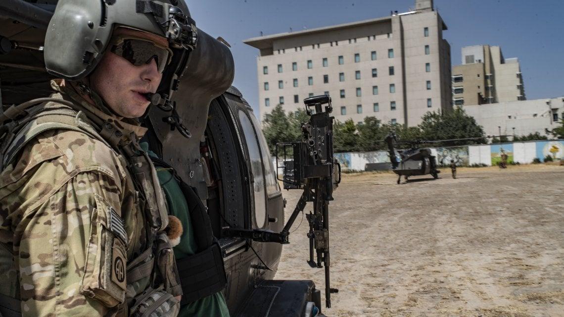 "011741635 45522973 f109 4d3c 88f1 14052591f513 - ""Portateci via"", rabbia e paura nella Kabul caduta in mano ai talebani"