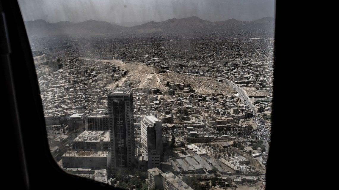 """012157298 84a3c868 b24e 4425 91cd ca67cd0a957e - """"Portateci via"""", rabbia e paura nella Kabul caduta in mano ai talebani"""