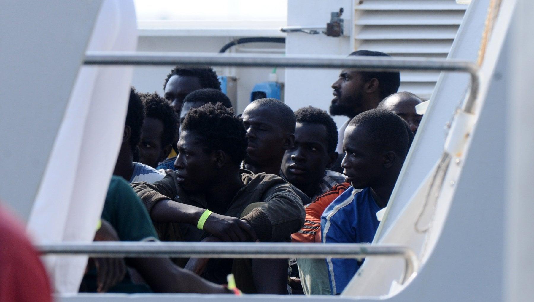 041002710 23c2918d 5d7f 426a a470 a4481f413942 - Migranti, 40 persone morte di fame di sete trovate a bordo di una barca alla deriva che non è riuscita a raggiungere le Canarie