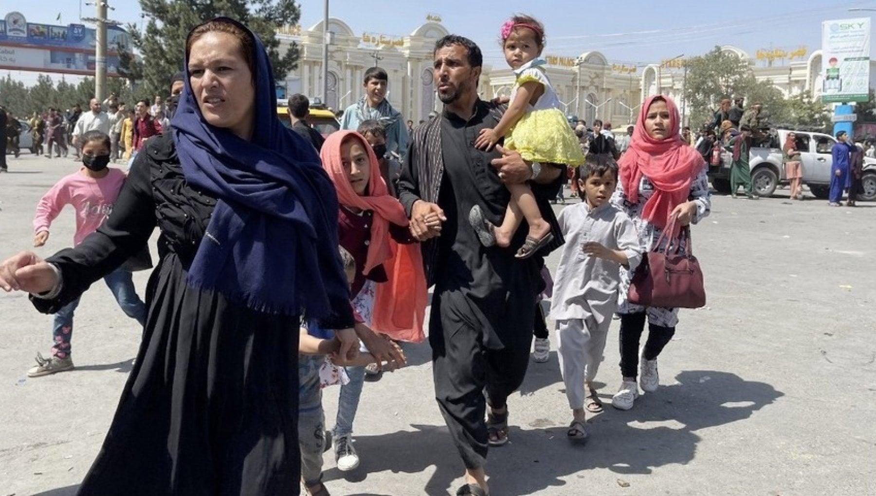 070052018 986eba34 052b 46b4 99f8 7d822fcfc6a8 - Afghanistan, gli Usa hanno evacuato oltre 2mila cittadini. Regno Unito pronto ad accogliere 20mila profughi