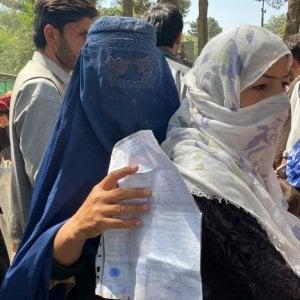 """212655819 06a8c7af d18c 484d b568 fe859353a72a - Lusso e kalashnikov, i talebani occupano il """"quartiere dei ladri"""" a Kabul"""