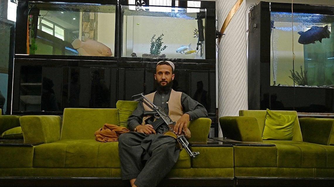 "222837905 6105577f f49a 4503 b29d 073fd930a433 - Lusso e kalashnikov, i talebani occupano il ""quartiere dei ladri"" a Kabul"