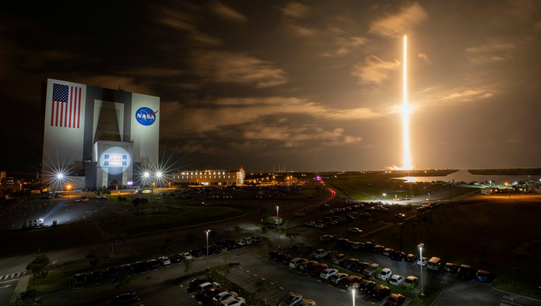 052601625 0d3b08e3 634c 4c17 9bc6 6c128722bf03 - SpaceX porta in orbita un team composto da soli principianti: parte l'era del turismo spaziale
