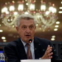 """Afghanistan, l'appello del commissario Onu al Pakistan: """"Accettate i rifugiati"""""""