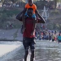 Stati Uniti, Biden prepara un ponte aereo per rimpatriare i migranti haitiani