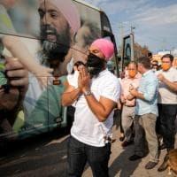 Canada, TikTok e turbanti: Singh sfida Trudeau a passo di danza