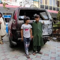 """Kabul, nella casa della famiglia colpita dal drone americano: """"Vogliamo giustizia, le..."""