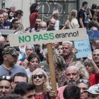 No Green Pass puntano al referendum: al via la raccolta firme