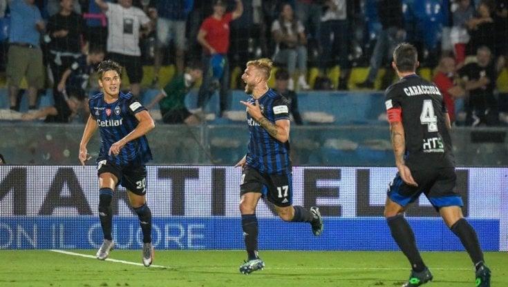 Serie B, Pisa inarrestabile: con il Monza arriva il quinto successo in fila. Insegue lAscoli, ok Benevento e Lecce