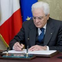 Green Pass, Mattarella firma il decreto: nessuna sospensione dal lavoro, ma stop agli...