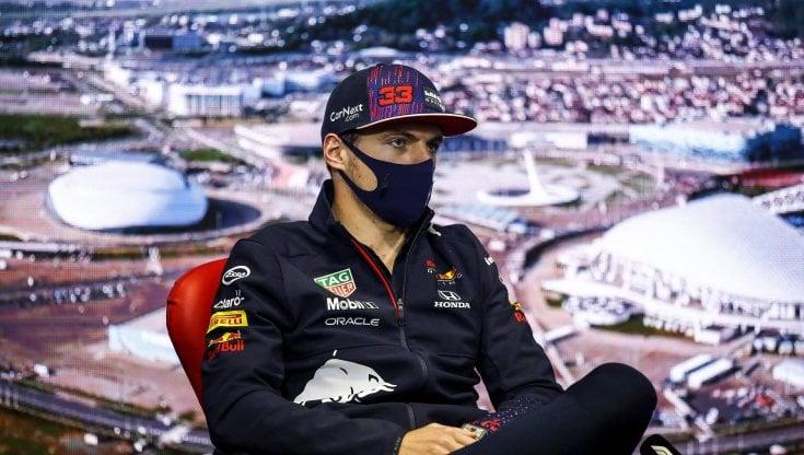 F1, Gp Russia; Verstappen: Impossibile darmi fastidio. Hamilton: Sarà battaglia leale