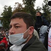 """Mosca, comunisti in piazza contro i brogli: """"Putin è un ladro"""""""