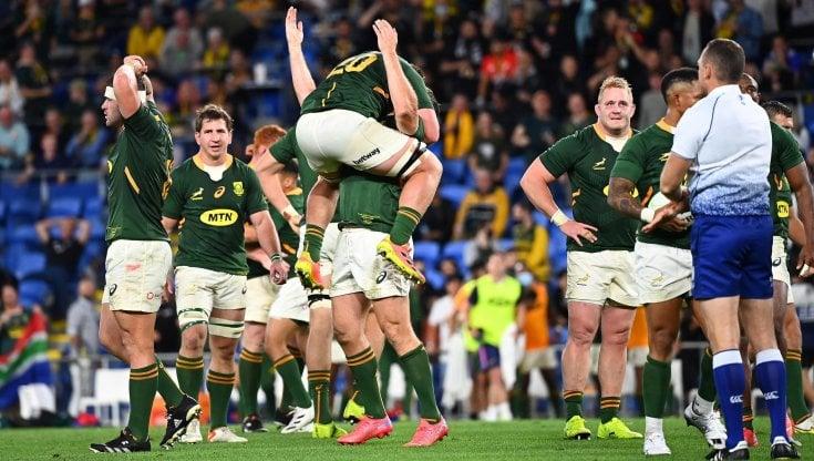 Rugby: spettacolare successo del Sudafrica, ma il Quattro Nazioni va agli All Blacks