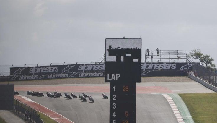 Valentino Rossi: La pista è una roulette russa. E questi pilotini sono matti...