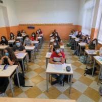Scuola, la denuncia della Flc-Cgil: 254mila alunni studiano in classi-pollaio