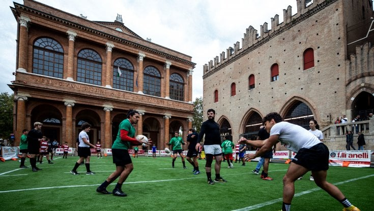 Rugby tra i palazzi storici, successo di pubblico a Rimini