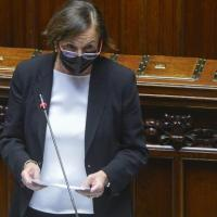 """Scontri No Green Pass, Lamorgese: """"Respingo accuse di strategia della tensione"""". Salvini..."""