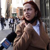 I No Pass alle Camere ma la senatrice ex M5S resta sola a protestare
