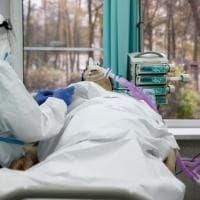 Coronavirus, troppe contraddizioni delle autorità e sfiducia nei vaccini: perché in...