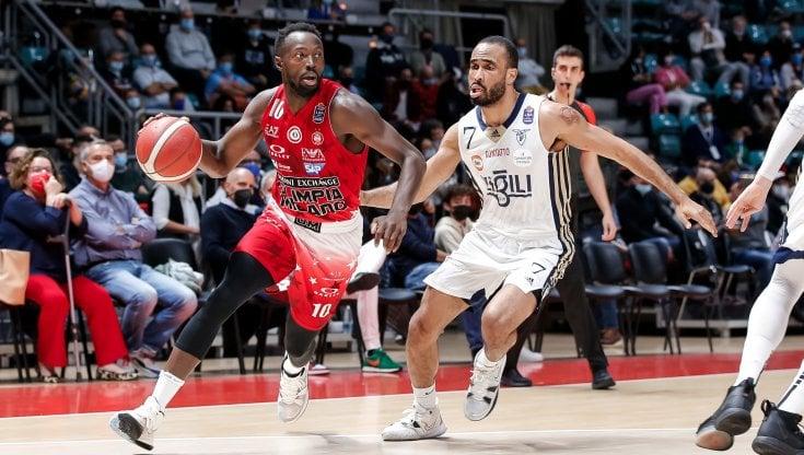 Basket, serie A: Milano piega la Fortitudo Bologna e resta sola in testa, Brindisi passa a Cremona
