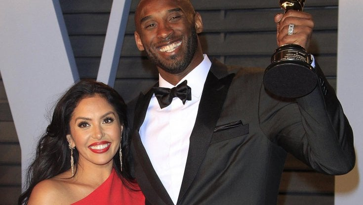 Kobe Bryant, scontro in tribunale: la moglie Vanessa fa causa per le foto dei resti, chiesta perizia psichiatrica