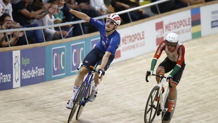 Mondiali di ciclismo su pista, lItalia chiude alla grande: oro di Viviani nelleliminazione, Consonni-Scartezzini argento nella madison