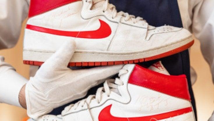 Las Vegas,vendute per 1,5 milioni di dollari le scarpe di Michael Jordan del 1984