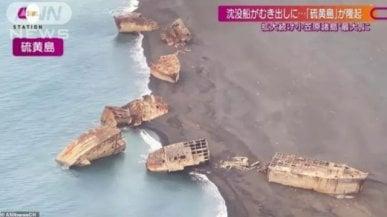 Giappone, navi Usa della Seconda Guerra Mondiale riemergono 70 anni dopo per l'eruzione del vulcano...