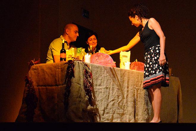 Tra teatro civile e cucina