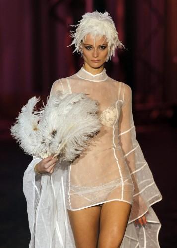 moda,sfilate,lingerie,provocazioni