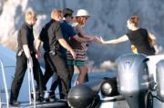 Charlotte, la futura mamma in vacanza a Capri