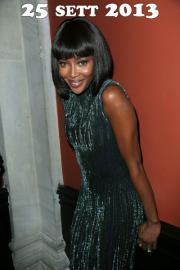 Naomi e le parrucche: lungo e corto in libertà