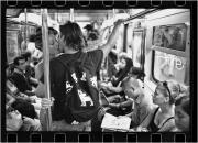 Il tassista che fotografa i baci di New York