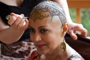 I tatuaggi che ridanno il sorriso alle donne malate di tumore