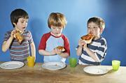 Accompagnare tuo figlio alla cena di classe, e uscirne viva