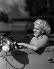 Il vento nei capelli: auto d'epoca, divi e bellissime pupe
