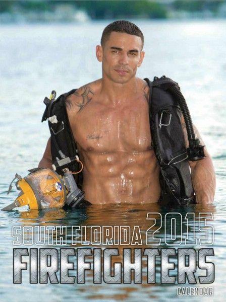 Calendario Pompieri Americani.Pettorali Ascia E Coraggio Il Calendario Dei Pompieri
