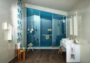 Un bagno profondo blu