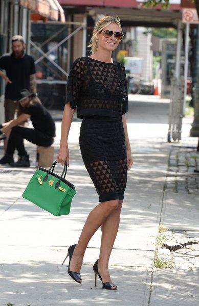 70e4abe5c5 Anche Heidi Klum è un tipo determinato e lo dimostra con la borsa a mano