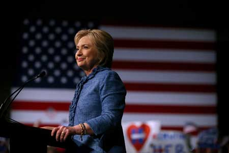Hillary Clinton, candidata alla presidenza americana, ha svelato di soffrire di endometriosi