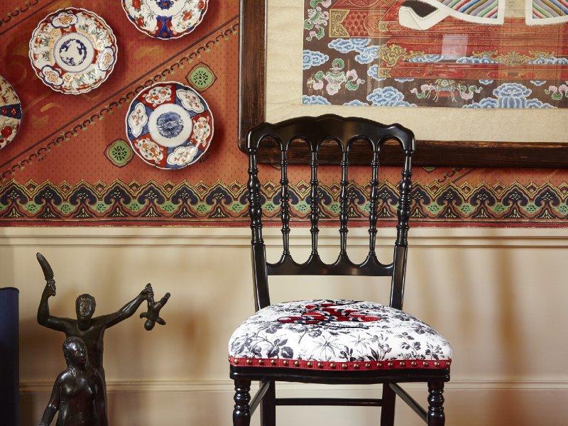 Sedie Decorate A Mano.Arrivano Le Sedie Pret A Porter Moda D It Repubblica
