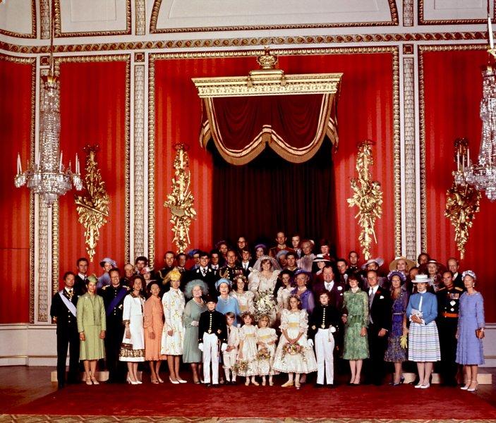 Foto Natale Famiglia Reale Inglese 1990.Lady Diana La Sua Vita Per Immagini La Repubblica