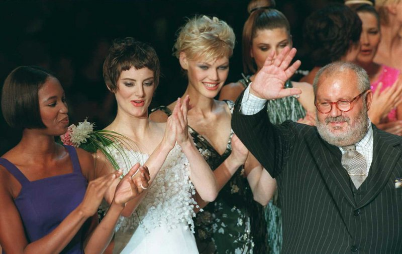 Gianfranco Ferré con le top model