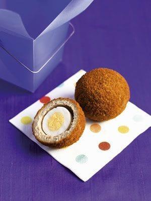 Due golose ricette di Pasqua: torta pasqualina e scotch eggs